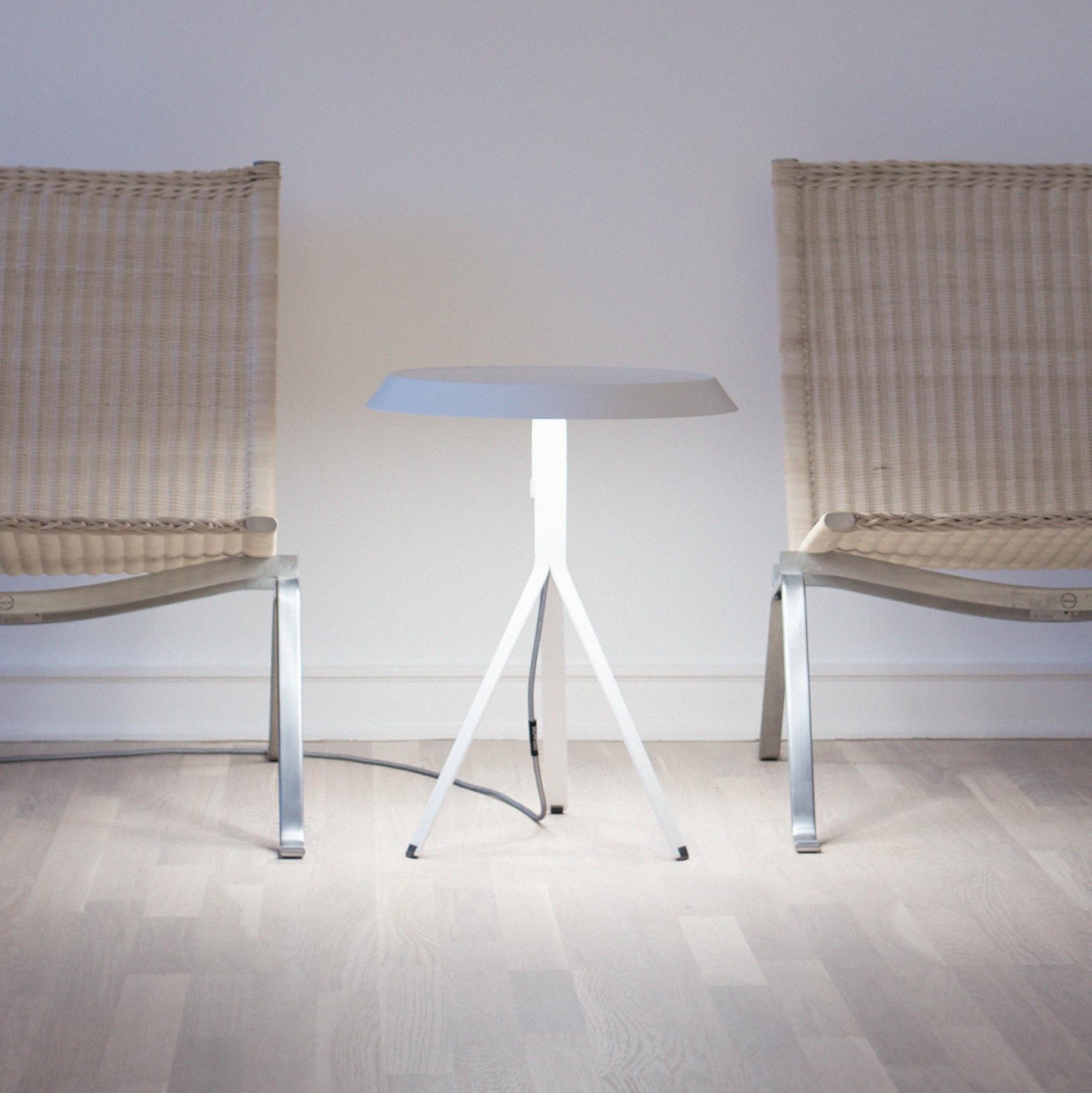 Koenig-Table-Lamp-ambience-living-room-05