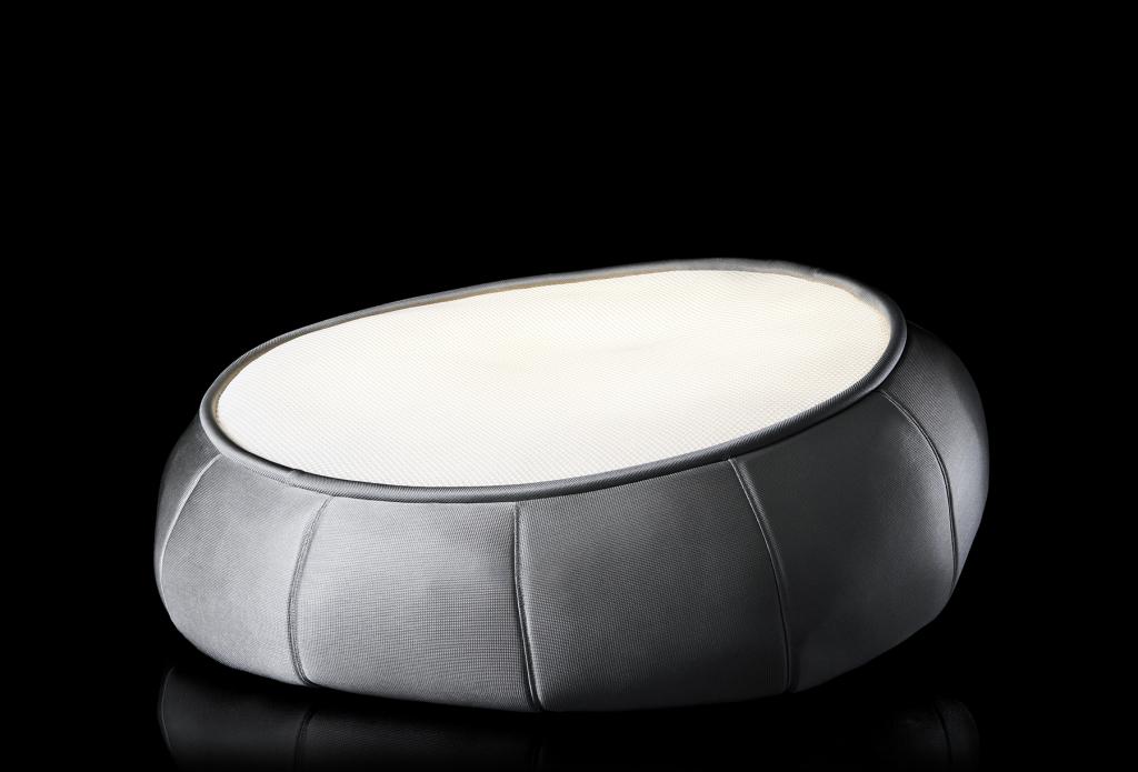 Light lounger titanium med sort baggrund